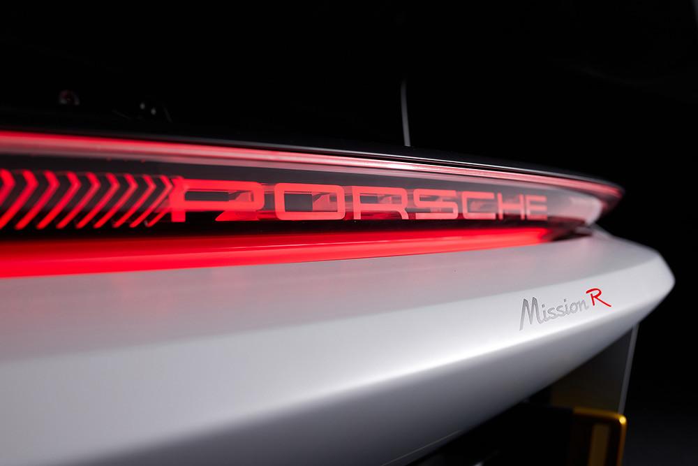 Porsche 210906-4