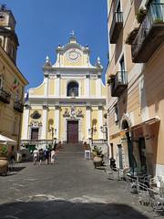 La Basilica di Santa Trofimena nel centro di Minori, Costiera Amalfitana