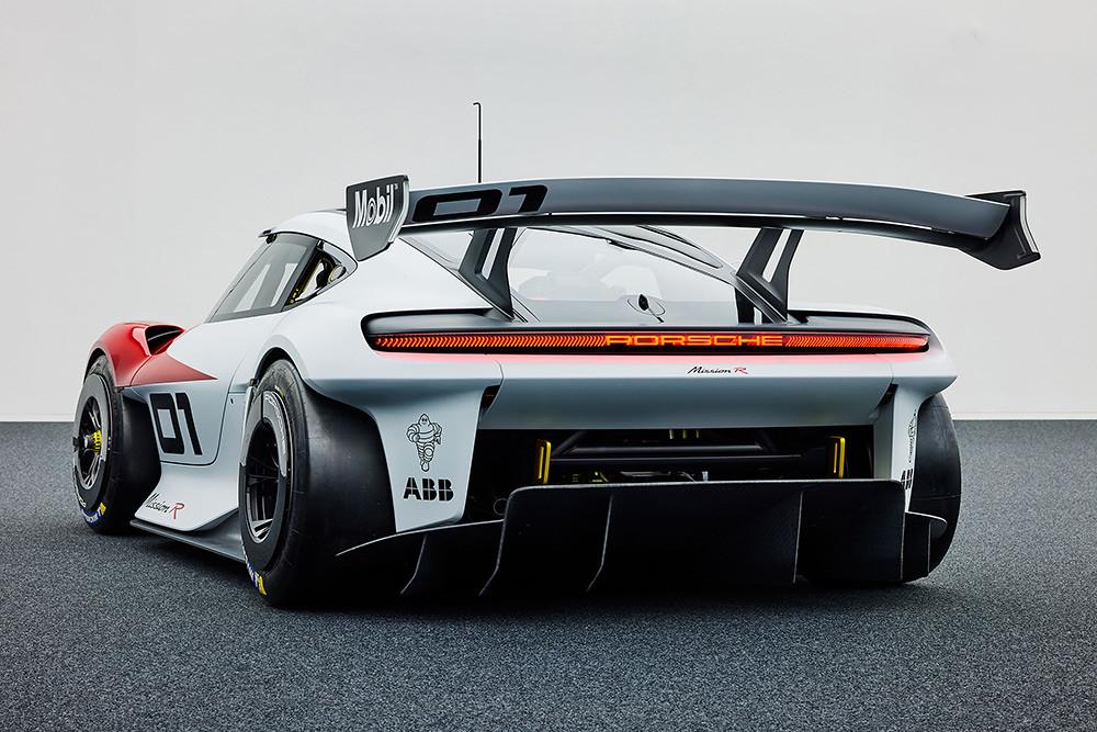 Porsche 210906-8