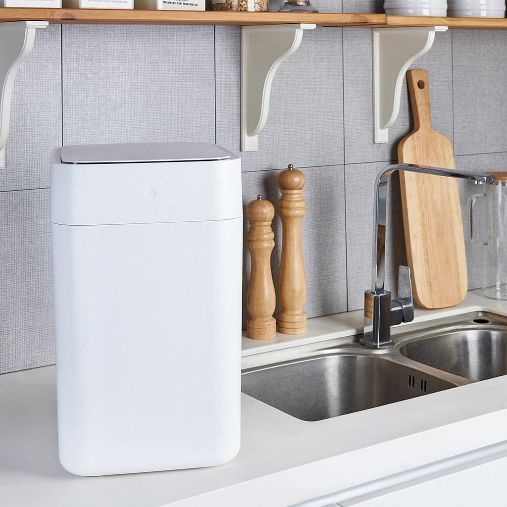圖說六:拓牛T1S智能垃圾桶外型時尚、簡潔,可與任何居家裝潢吻合、適合放置於各種環境,是一款同時可提升生活效率與質感的智慧居家必備好物。 (2)...
