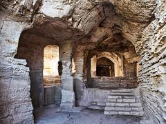 L'Abbaye troglodytique de Saint Roman
