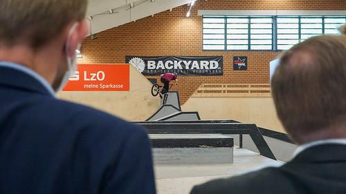Besuch der Skatehalle von Backyard e.V. in Oldenburg mit Innenminister Boris Pistorius und Oberbürgermeister Jürgen Krogmann.