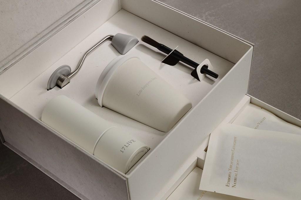 新聞照片-17LIVE中秋禮盒每個細節都經需符合綠色採購規範,重視永續、環境友善、公平之正向價值。