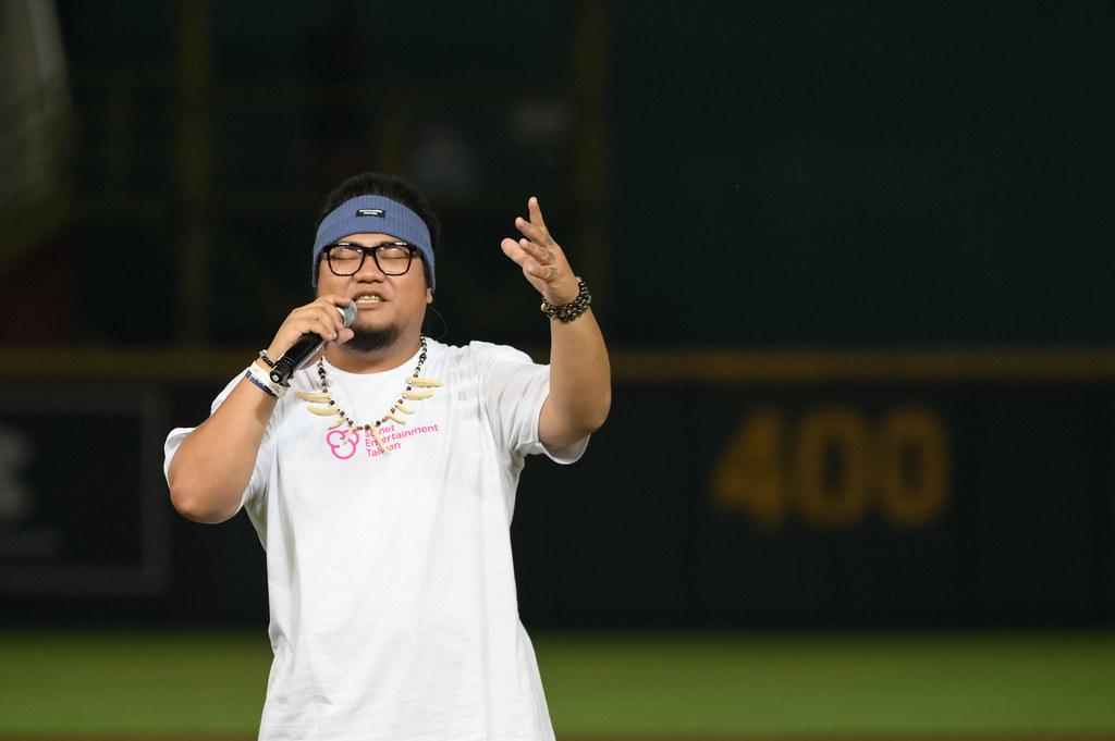 圖2-So-net X樂天桃猿主題日 超級原住民歌手古拉演唱「夏天的海邊」