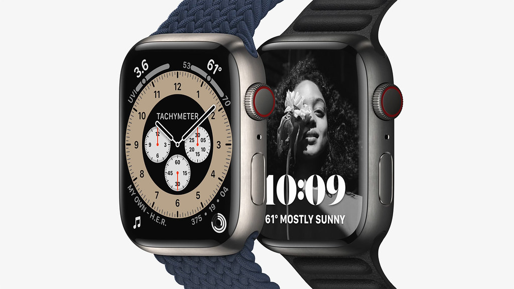 Apple_watch-series7-availability_titanium_10052021