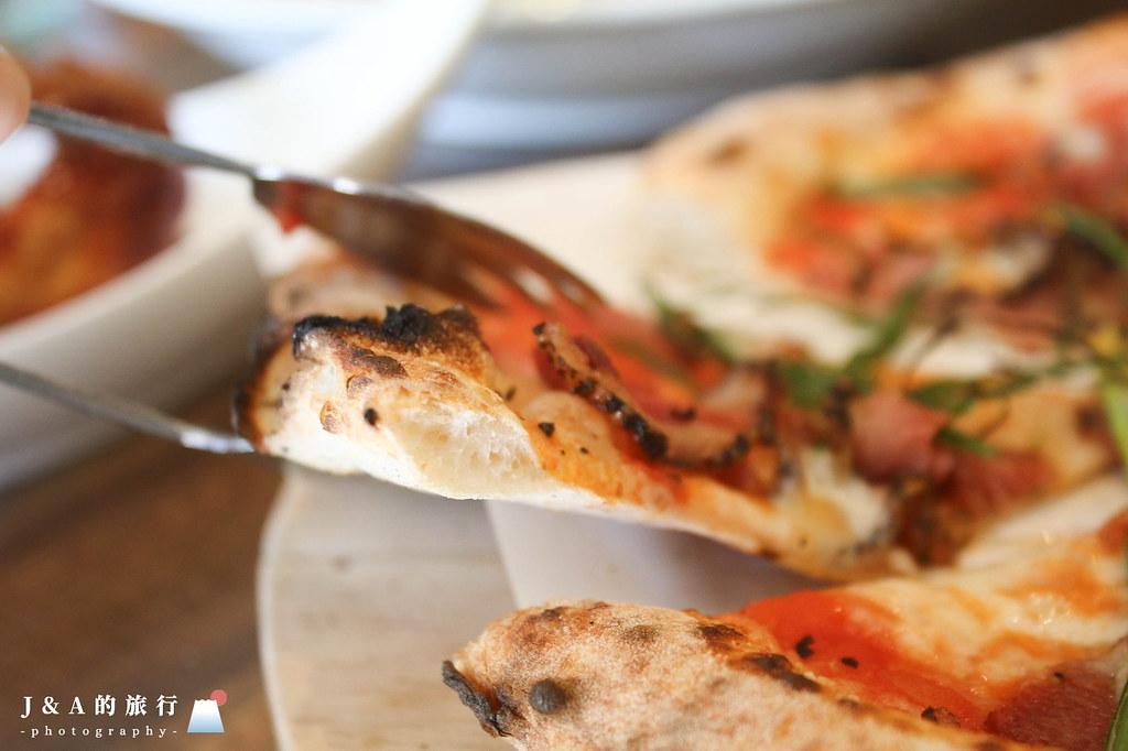 有義大利認證的窯烤披薩,壽星免費送9吋披薩。Oggi歐奇窯烤披薩 @J&A的旅行