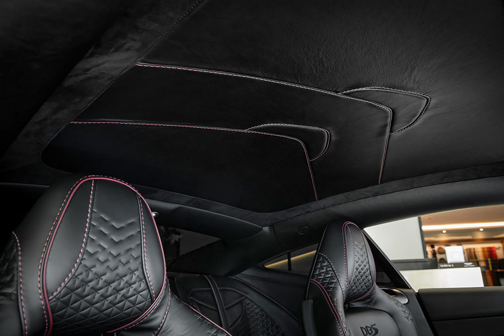 Aston Martin 211007-27