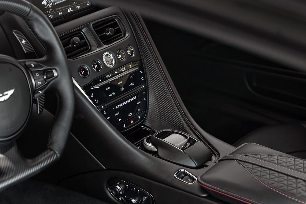 Aston Martin 211007-23