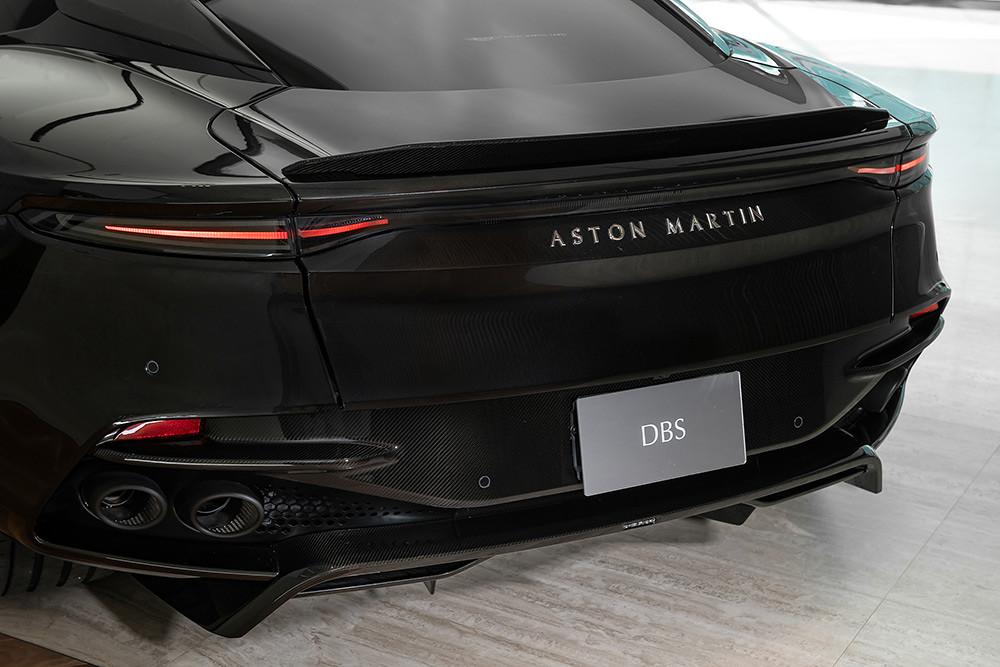 Aston Martin 211007-21