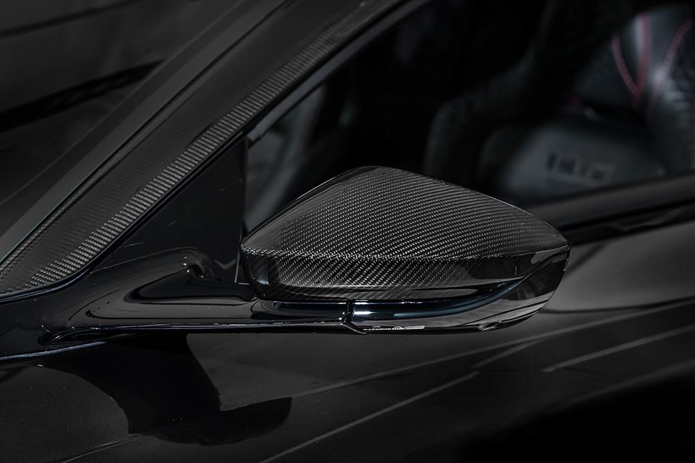 Aston Martin 211007-18