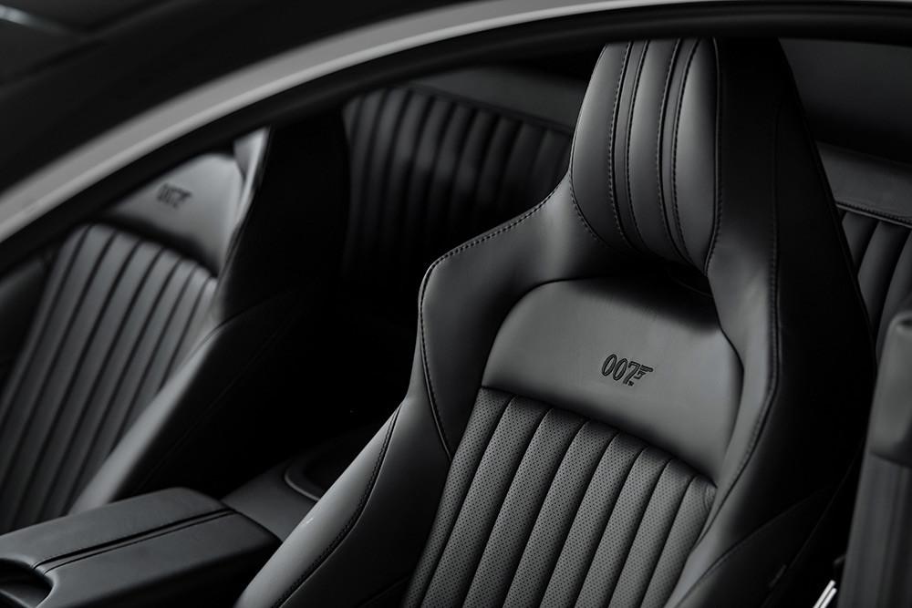 Aston Martin 211007-12