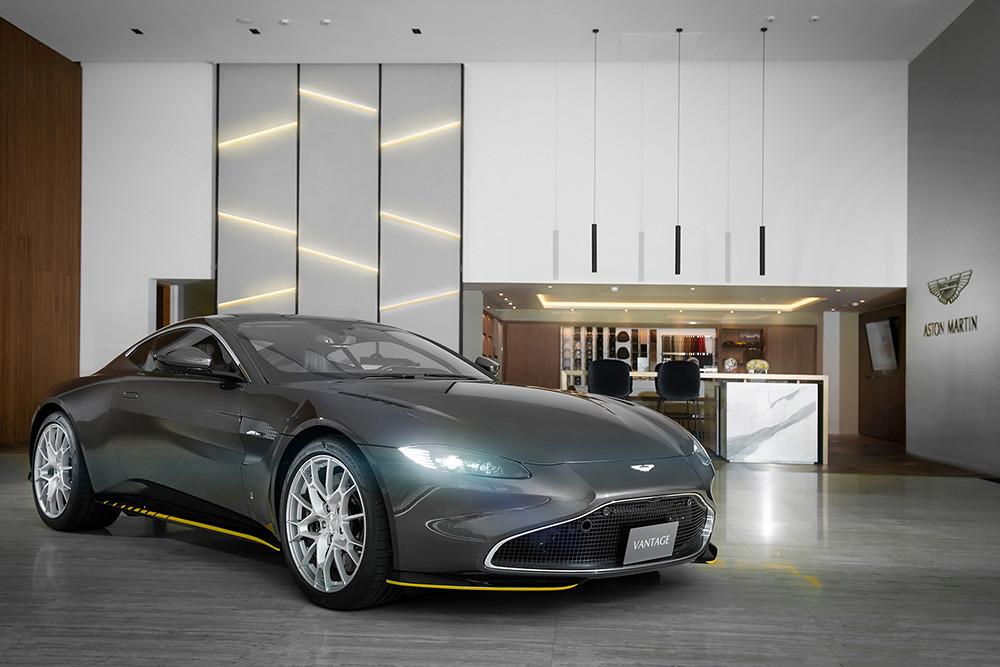 Aston Martin 211007-2