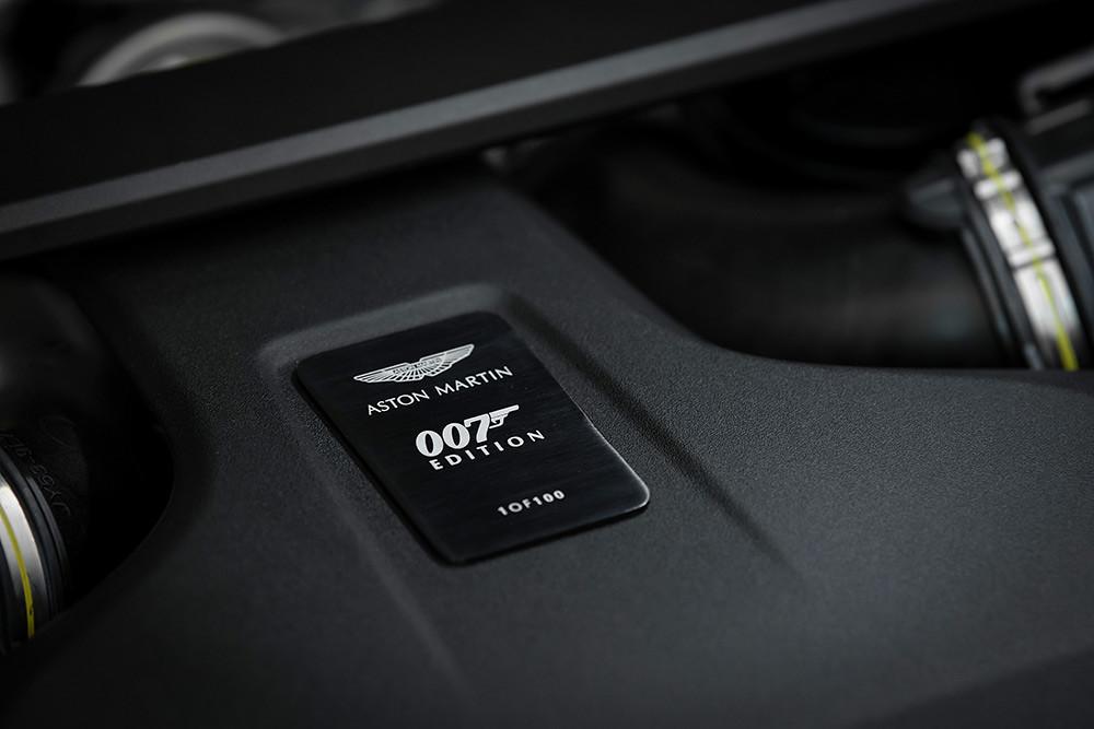 Aston Martin 211007-15