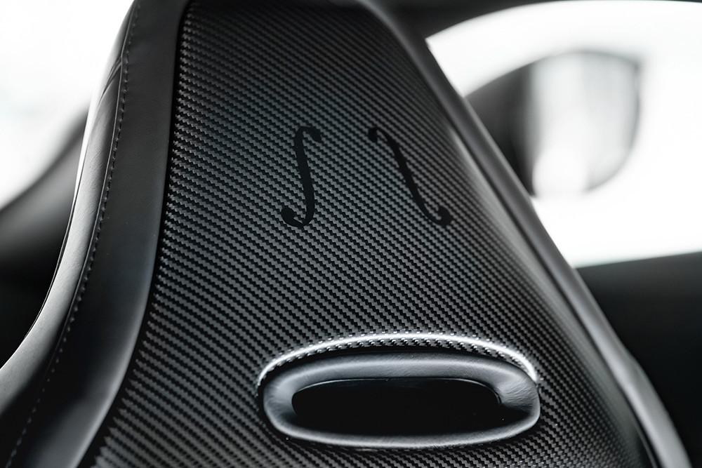 Aston Martin 211007-13