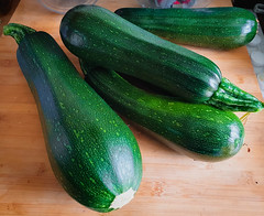 continuous courgettes