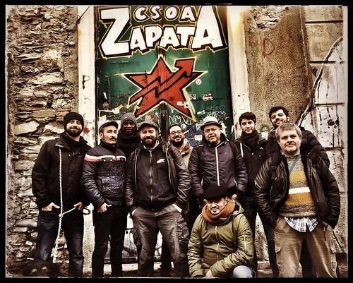 @arpioni_ska_band #bailando #ska con la #girazapatista 🎭 #indigeni 🎥 #elettritv 💻📲 #webtv #musica 〽 #canalemusicale #musicaoriginale #sottosuolo  #webtvmusicaoriginale 🔊 #musicaitaliana #comparte #ezln