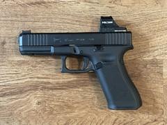 Glock 17 Gen 5 - RMR cut for Holosun Red Dot. Cerakoted black