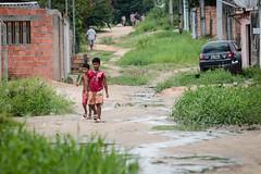 21.10.21 - Prefeitura de Manaus anuncia implantação de infraestrutura total em via com solo natural na Colônia  Terra Nova