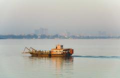 Phnom Penh ferry crossing