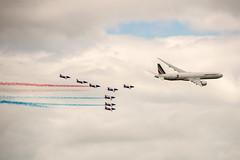 Boeing 777-300ER & la Patrouille de France (dprezat) Tags: alphajet patrouilledefrance boeing 777 airfrance aircraft avions meeting warbirds lafertéalais nikond800 nikon d800